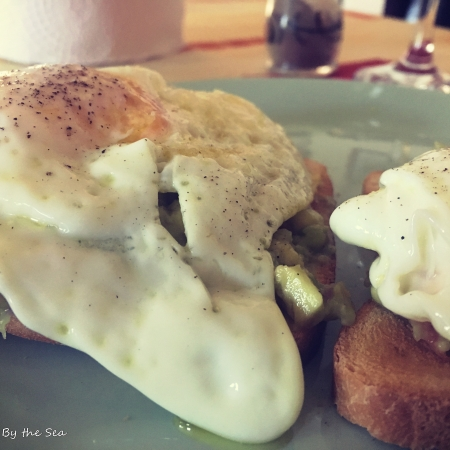 Olive Tree By the Sea - Guacamole egg toast
