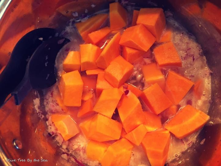 Butternut_squash_soup_1